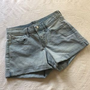 💙 *new* light wash denim Old Navy shorts 💙